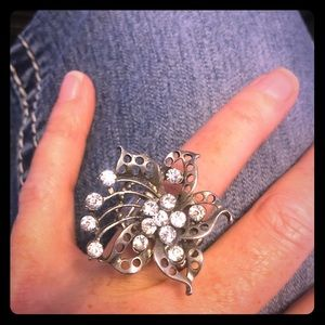 Jewelry - Bling Floral Statement Ring